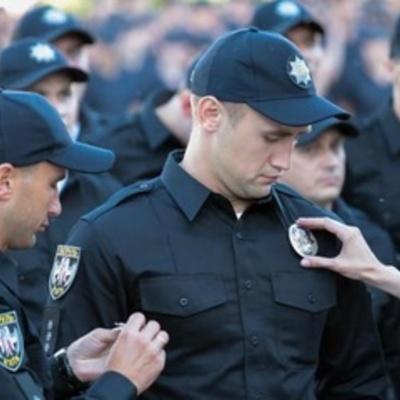 В Киеве мужчина уложил на больничную койку полицейского