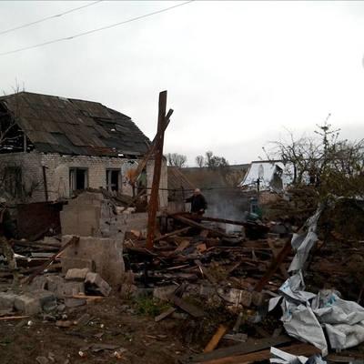 Боевики обстреляли жилые дома и объекты инфраструктуры в Луганском, - штаб