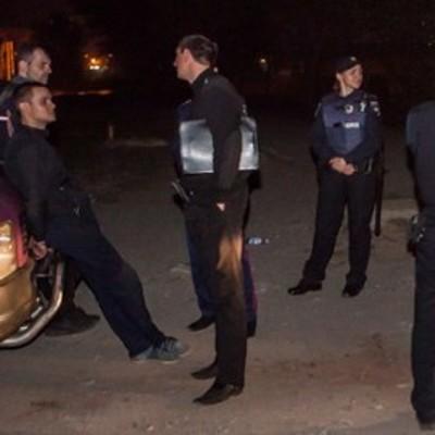 В Днепре трое мужчин на автомобиле молокозавода пытались ограбить вышку Lifecell и предлагали $ 1000 полицейским