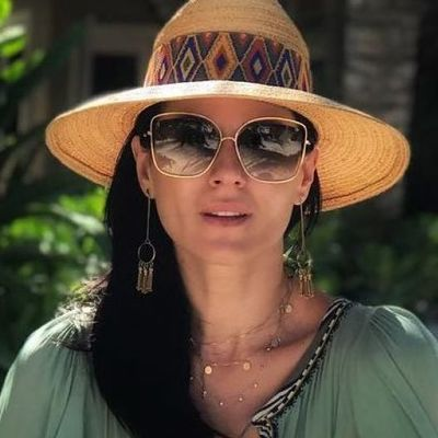 Маша Ефросинина поделилась пляжным кадром в купальнике