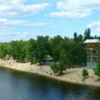 В Киеве загорелся пляж для нудистов