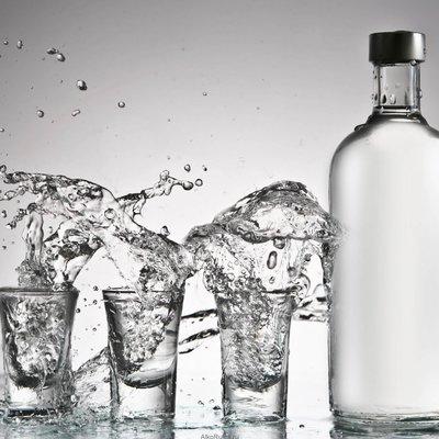 Чиновники закупили водки более чем на 151 тыс. грн