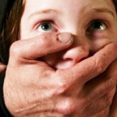 Педофил изнасиловал несовершеннолетнюю девочку