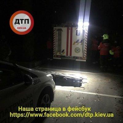 В Киеве девушка погибла, упав в шахту лифта