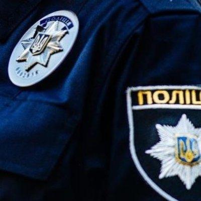 В Днепре футбольный фанат бросил за бронежилет полицейскому взрывное устройство