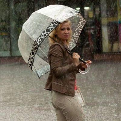 Погода на выходные: Украину затянут холодные грозовые дожди