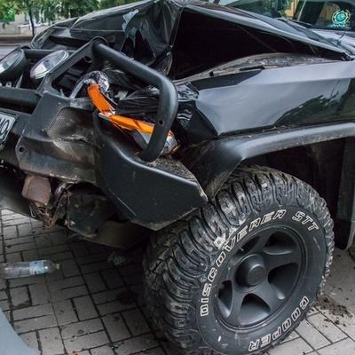 В Киеве мужчина сбежал с места ДТП, оставив жену и детей в машине