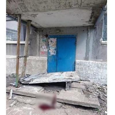Умер ребенок, на которого упала бетонная плита в Доброполье