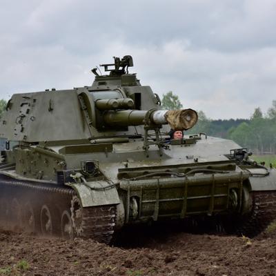 В Мукачевостолкнулись две боевые машины ВСУ