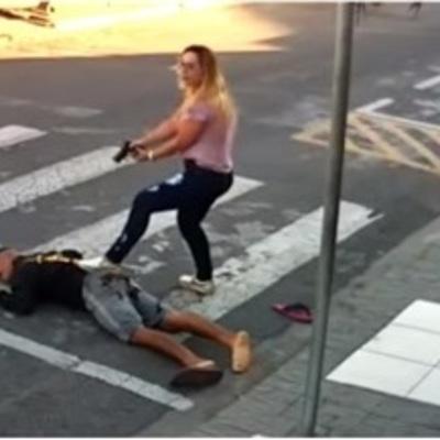 В Бразилии женщина нейтрализовала вооруженного грабителя несколькими выстрелами из собственного пистолета