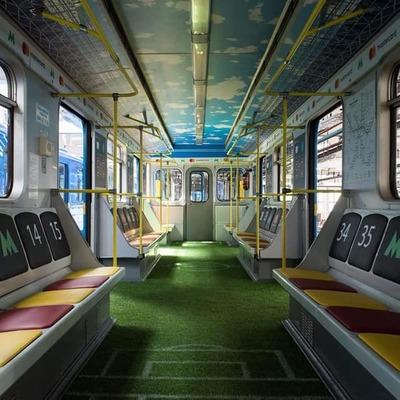 В киевском метро к финалу Лиги Чемпионов сделали вагон-стадион (фото)