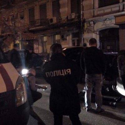 Полицейские при задержании подстрелили иностранца, за одну ночь обокравшего пять домов на Луганщине