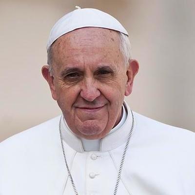 Папа Римский заявил, что геев такими создал Бог