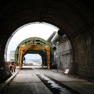 Порошенко открыл Бескидский тоннель в Карпатах (видео)
