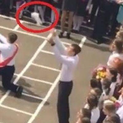 В российской школе в небо запустили мертвого голубя во время церемонии «Последнего звонка»