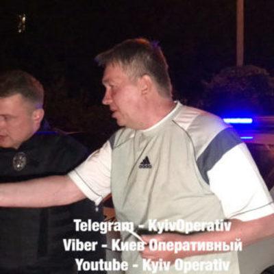 В Киеве патрульные поймали пьяного экс-нардепа за рулем Mercedes