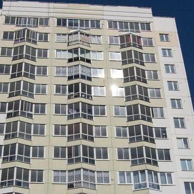 В Киеве маленький 4-летний мальчик выпал с 12-го этажа