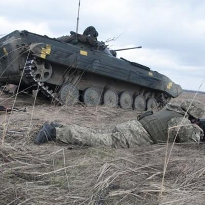 Украинские военные уничтожили БМП противника на Донбассе (видео)
