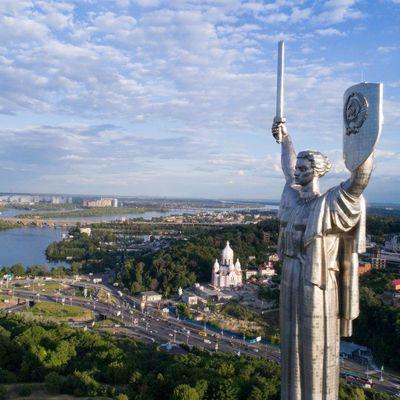 Синоптики дали прогноз погоды на июнь в Украине: без адской жары и с волной гроз