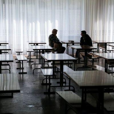 Отъезд родителей на заработки негативно влияет на школьную успеваемость детей - эксперты