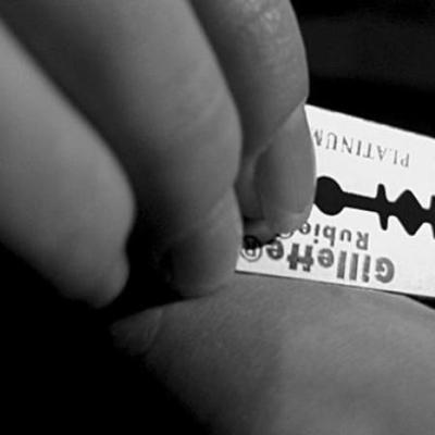 «Синий кит» доплыл до Крещатика: в центре Киева девочка-подросток вскрыла вены