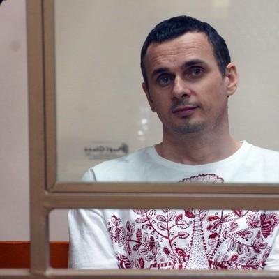 У Сенцова выпадают зубы из-за голодовки