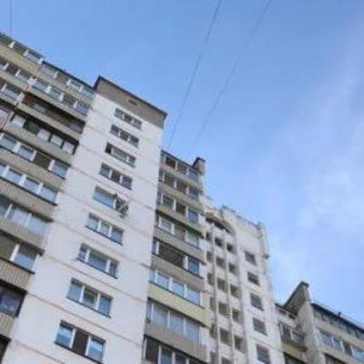 В Киеве на Троещине упал лифт с бабушкой, пролетев 10 этажей