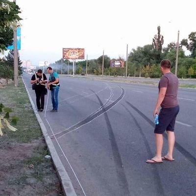 В Запорожье автомобиль сбил насмерть мать с ребенком