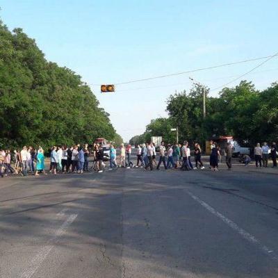 Одесситы утром заблокировали «дорогу смерти», где накануне погибла 4-летняя девочка