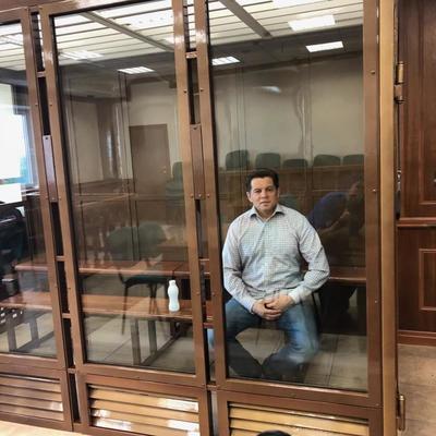 В Москве украинского журналиста Сущенко приговорили к 12 годам колонии строгого режима (фото, видео)