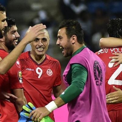 Голкипер сборной Туниса симулировал травму, чтобы полевые игроки могли поесть в Рамадан