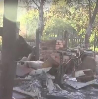Боевики умышленно лупят по домам освобожденного поселка Южное: там осталось лишь несколько семей (видео)