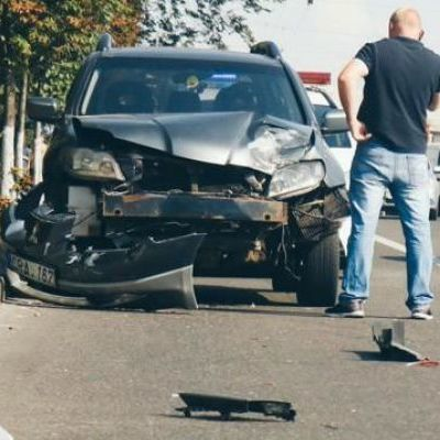 В Киеве иностранец без прав протаранил полицейский автомобиль