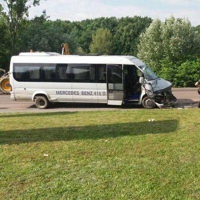 На Закарпатье микроавтобус с детьми попал в ДТП