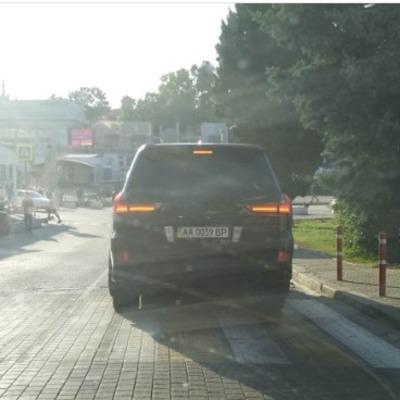 В аннексированном Крыму заметили авто с номерами Верховной Рады (фото)