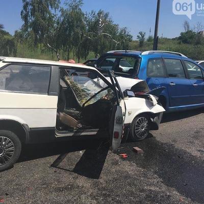 ДПТ в Запорожье: погибли супруги, пострадали трое детей