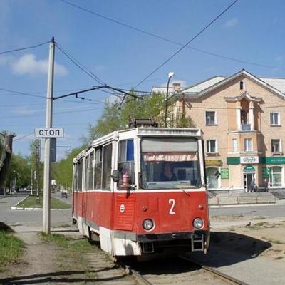 В Киеве очередной «герой» парковки заблокировал линию трамвая