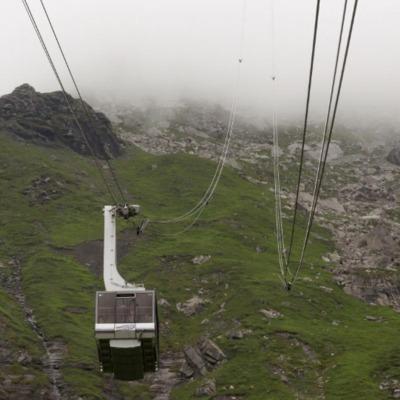В Швейцарии 400 туристов эвакуировали с горы из-за неисправности фуникулера