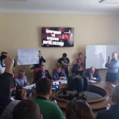 В Киевсовете требуют уволить главу патрульной полиции Юрия Зозулю