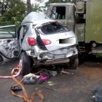 В Тернопольской области Nissan врезался в военных, есть погибшие