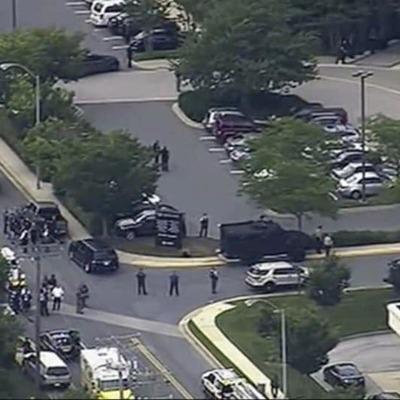 В США во время стрельбы в редакции погибли 5 человек