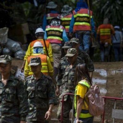Спасение детей в Тайланде: умер спасатель, который доставлял детям в затопленную пещеру кислород