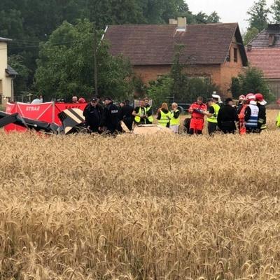 В Польше около жилого дома разбился вертолет, есть погибшие