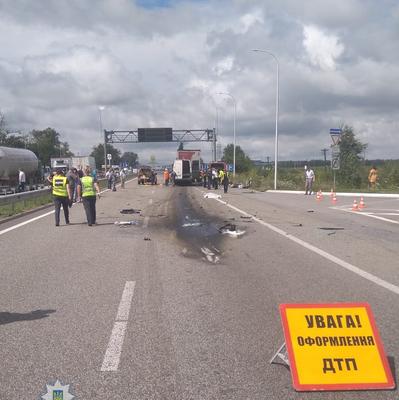В Житомирской области маршрутка столкнулась с грузовиком: 10 погибших