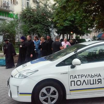В Киеве готовятся к ходу верующих, движение транспорта ограничат