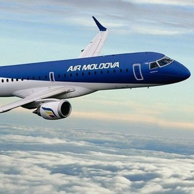 У самолета Air Moldova во время полета треснуло лобовое стекло
