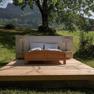 В Швейцарии открылся отель без стен и крыши (фото)