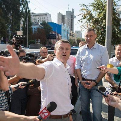 Кличко проинспектировал ремонт на Антоновича и поручил проверить все участки, где идут работы с коммуникациями
