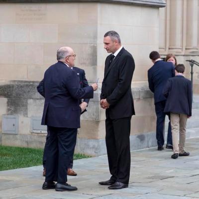 Кличко принял участие в церемонии прощания с Джоном Маккейном