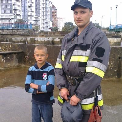 В Хмельницкой области ребенок упал вглубь фонтана (фото)